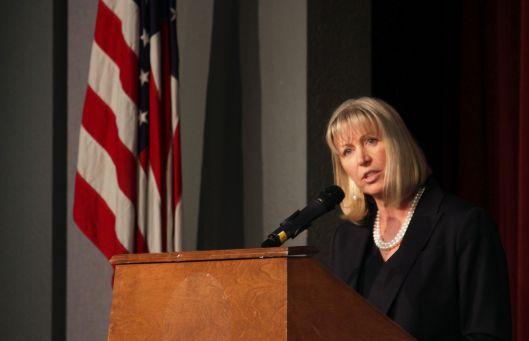Teresa Hensley (D).