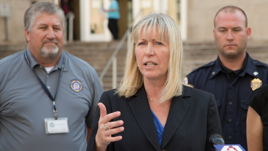 Teresa Hensley (D), the Democratic Party nominee for Attorney General, announces an endorsement from the Fraternal Order of Police - Kansas City - September 20, 2016 [photo: Jerry Schmidt].