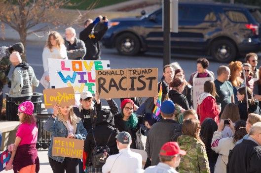 Donald Trump, Racist.