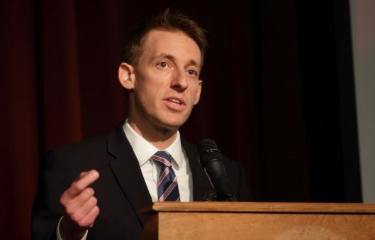 Jason Kander (D), speaking in Warrensburg on April 2, 2016.